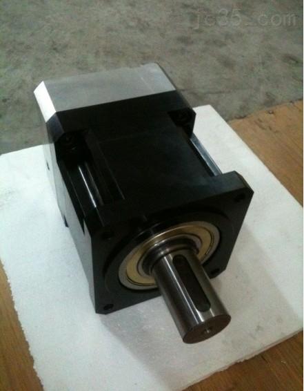 AB系列斜齿轮3弧分高精度伺服减速机