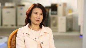 整点新闻:董小姐卸任格力集团董事长 成龙大哥和马云爸爸不高兴